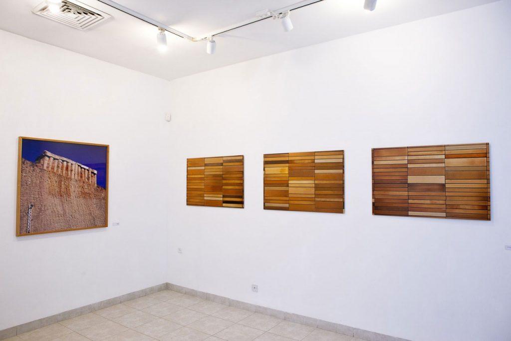 מחוץ לשורה - חלל התערוכה